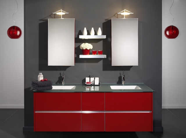 kırmızı hilton banyo modeli
