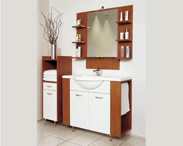 kahverengi beyaz hilton banyolar