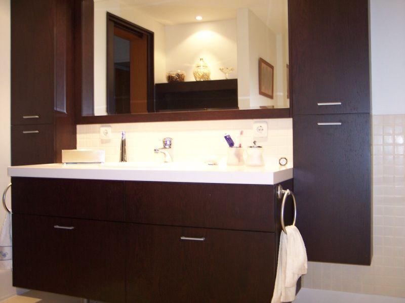 kahverengi hilton banyo