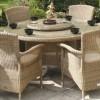kahverengi bahçe masaları