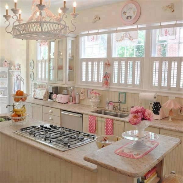 açık pembe ve beyaz mutfak dekorasyonu