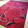 Gül desenli kırmızı halı tasarımları