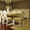 Oymalı beyaz dekoratif masko yemek odası tasarımları