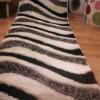 Siyah beyaz gri renkli shaggy kesme halı örnekleri