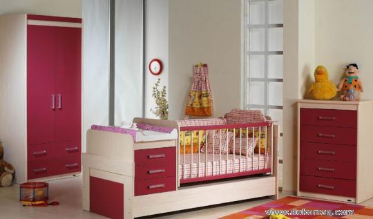 bordo bebek odası