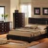 koyu kahverengi yatak odası