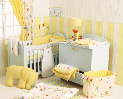 sarı beyaz bebek odası