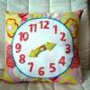 Saat Desenli Yastık Modeli