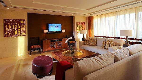 Modern-Arabian-Living-Room-with-Television