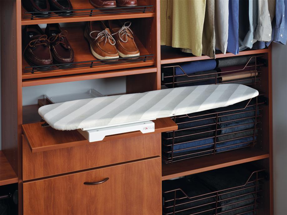 Giyim odası ütü masası modeli