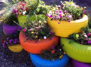 araba lastiğinden bahçe dekoru